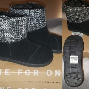 Toms Tiny Nepal Boots